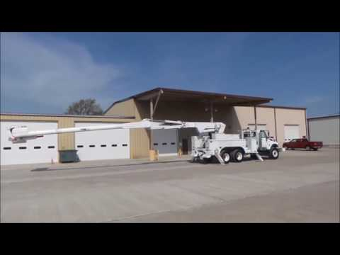 2008 International 7400 bucket truck for sale | no-reserve Internet auction May 25, 2017