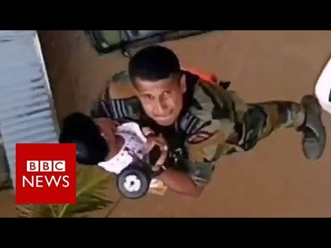 India floods: Amazing rescue video from Kerala - BBC News