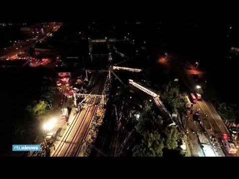 Enorme ravage: eerst beelden treinongeluk Taiwan - RTL NIEUWS