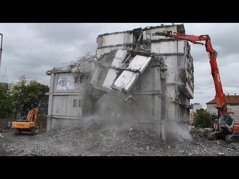 STRABAG Általános Építő Kft. - A pécsi 25 emeletes magasház bontása