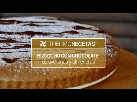 Bizcocho con chocolate de avellanas y almendras