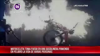 Imprudencia en gasolinera de Managua casi incinera a motociclista - Nicaragua