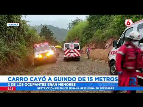 Carro cayó a guindo de 15 metros en Patarrá