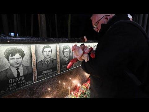 35 ans de Tchernobyl : des bougies allumées à l'heure de l'explosion