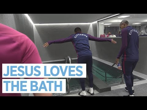 JESUS LOVES A BATH! | New Changing Rooms Tour