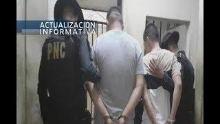 Detienen a dos presuntos robamotos en Escuintla