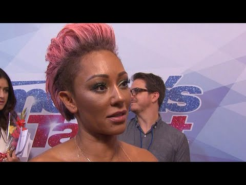 connectYoutube - Mel B. and Simon Cowell Kiss and Make Up After Live 'AGT' Fight -- Mel Says, 'I'm Being Polite'