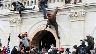Policias dejaron entrar manifestantes de Donald Trump al Capitolio