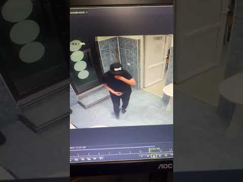 Из раздевалки спорткомплекса в Бишкеке украли несколько телефонов детей