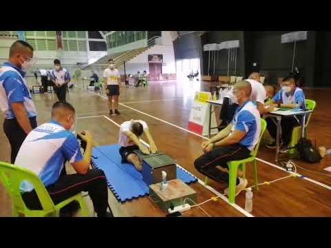 นั่งงอตัว-การสอบพลศึกษา-นักเรี