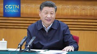 Xi Jinping mantiene una conversación telefónica con Angela Merkel