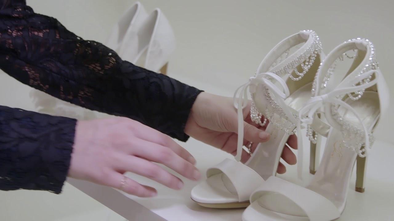 La scelta delle scarpe da unire all'abito da sposa