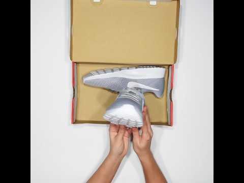 sportsdirect.com & Sports Direct Promo Code video: Unboxing Nike Tanjun