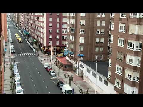 El sonido de las sirenas de las ambulancias anima a los vecinos de Marqués de la Hermida