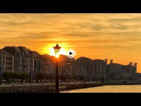 Sale el sol en la bahía más bonita