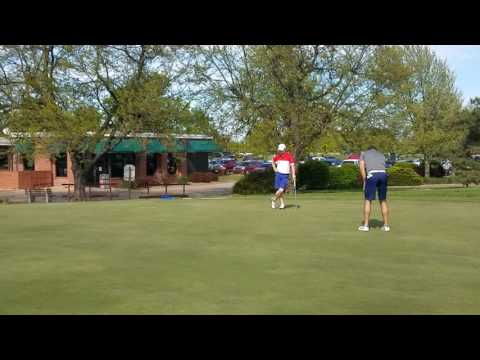 Key putts during final round of SCGA Two-Person Scramble(3)