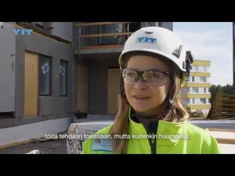 YIT:llä työnjohtajana työskentelevä Jenina kertoo videolla työstään ja uratarinastaan. Miksi Jenina halusi opiskella insinööriksi ja millaisia ovat työpäivät työmaalla? Katso video!