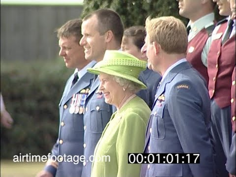 Col Russell Williams amongst group meeting Queen