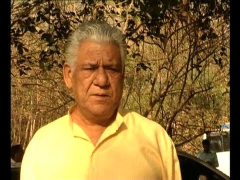 Om Puri And Dilip Tahil In 'Tension Mat Le Yaar'