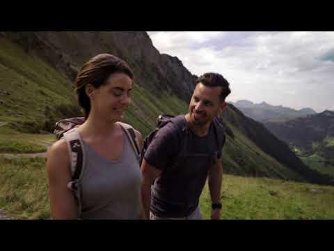 Wellness puro: bagni di gioia sull'Alp Turnels.