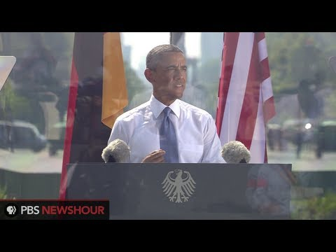 Watch Angela Merkell and Barack Obama's Remarks from Brandenburg Gate in Berlin thumbnail
