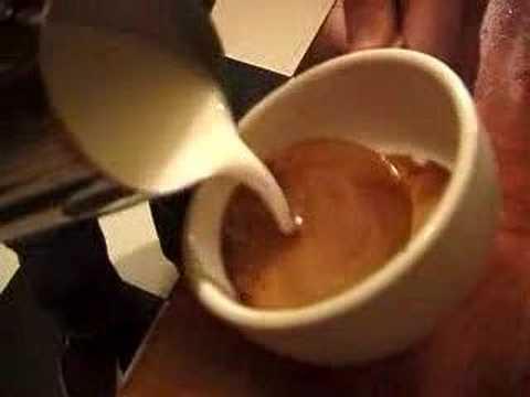 Latte Art Pour on a GS/3