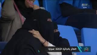 ردة فعل مشجعة فتحاوية بعد الفوز بسيارة في لقاء النصر والفتح