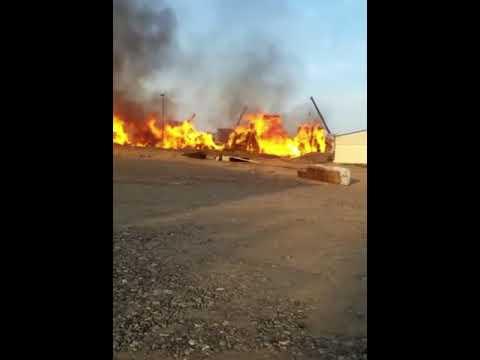 حريق يلتهم احواش الاخشاب في منطقة الرباط لحج