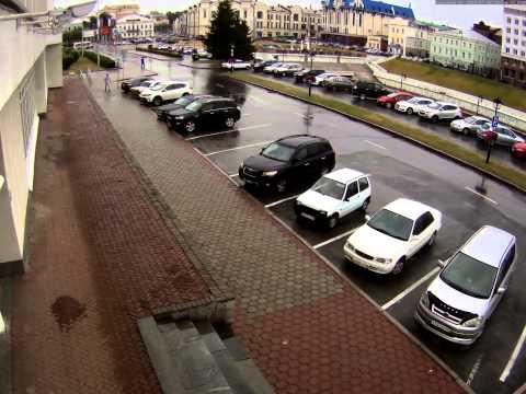 В машине томского чиновника выбили стекло. Новости