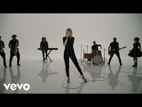 connectYoutube - Taylor Swift - Shake It Off Outtakes Video #7 - The Band, The Fans and The Extras