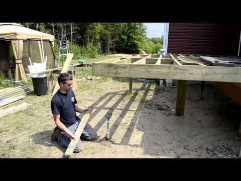 patio en bois attaches invisibles par langevin et forest tomclip. Black Bedroom Furniture Sets. Home Design Ideas