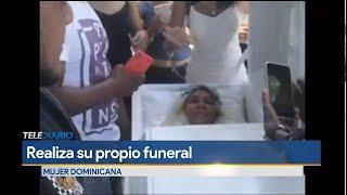 Mujer realiza su propio funeral en vida