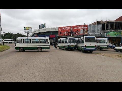 Transportistas bloquean el quinto anillo en la Santos Dumont