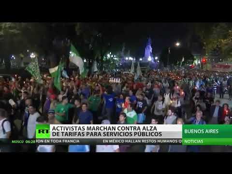 Activista marchan contra alza de tarifas para servicios públicos