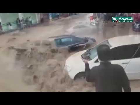 الامطار تدمر البنية التحتية في صنعاء وسيولها تجرف املاك الناس