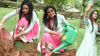 Anchor Udaya Bhanu Takes Green India Challenge | Latest Tollywood News - TFPC