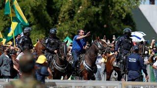 Covid-19 au Brésil : Jair Bolsonaro s'offre un nouveau bain de foule