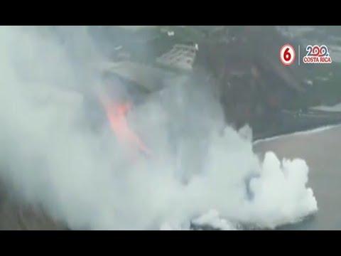 Volcán La Palma continúa arrojando lava en el mar