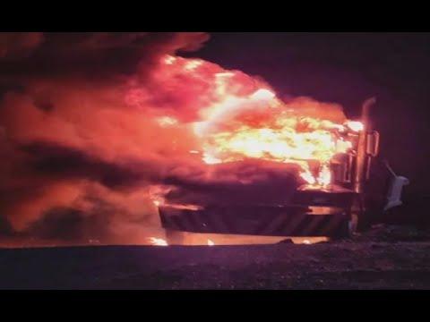 Camión fue consumido por las llamas en Quiché