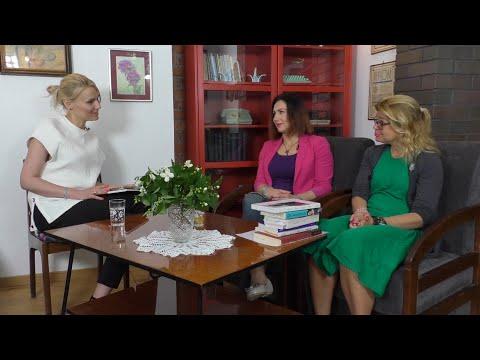 PRL: Różowa szminka feministki