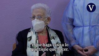 Araceli Hidalgo recibe la segunda dosis de Pfizer