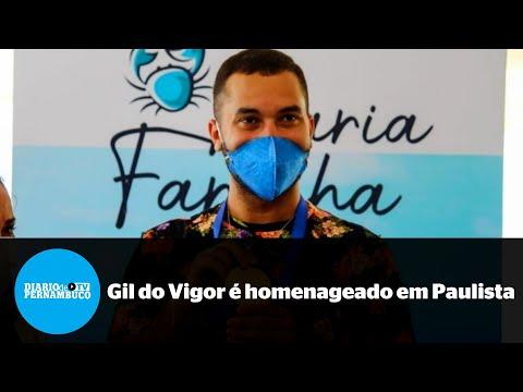 Gil do Vigor é recebido com festa da população e honraria em Paulista