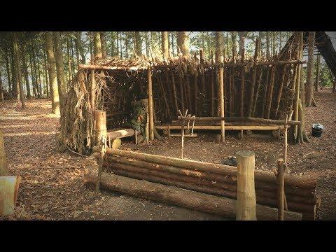 Bushcraft Camp Overnight - Debris Shelter, Lanterns, Log Bench Build, Deer Hide Beds