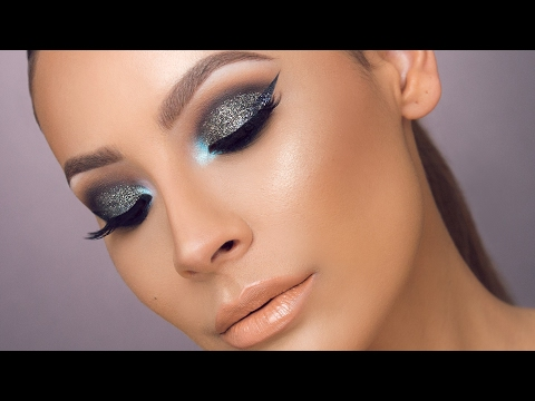 GALAXY GLITTER SMOKEY EYE | DESI PERKINS