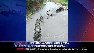 Lluvias afectan carretera en el distrito municipal de Manabao en Jarabacoa