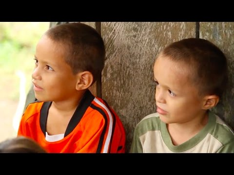 Colombian refugees find solutions in Ecuador