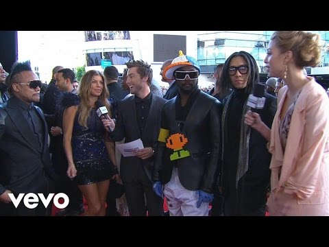 connectYoutube - Black Eyed Peas - 2010 Red Carpet Interview (American Music Awards)
