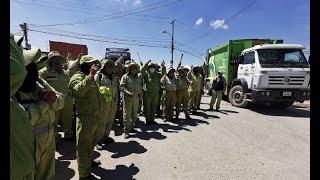 Exigen el pago de sueldos adeudados, trabajadores de Trébol en emergencia