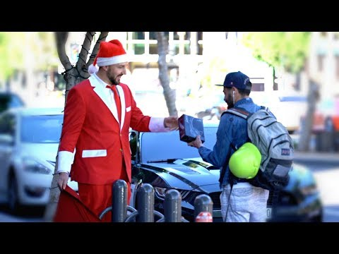 Giving Strangers Christmas Gifts!