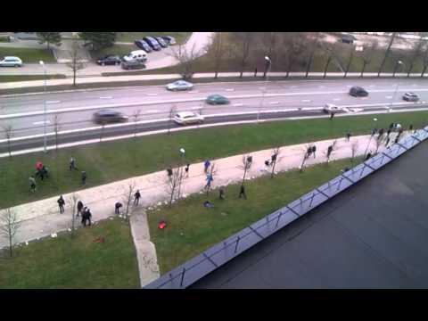Video: Vieni gavo į skudurus aikštelėj - Kiti - už jos ribų